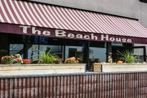 Beach_House_LB_004[1]
